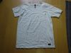 silasの白Tシャツ